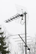 Teräväpiirtolähetysten vastaanottoon sopiva antenni